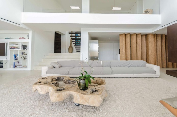 Villa-Majesty-boasts-spectacular-views-of-the-ocean-located-in-Ibiza-Spain-07