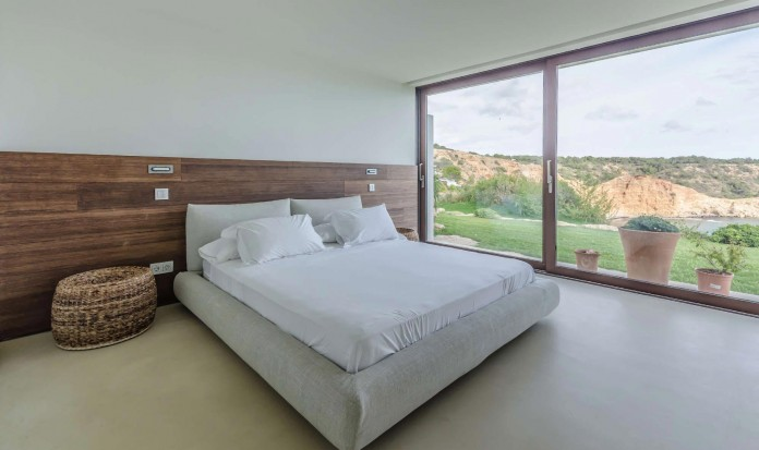 Villa-Majesty-boasts-spectacular-views-of-the-ocean-located-in-Ibiza-Spain-13