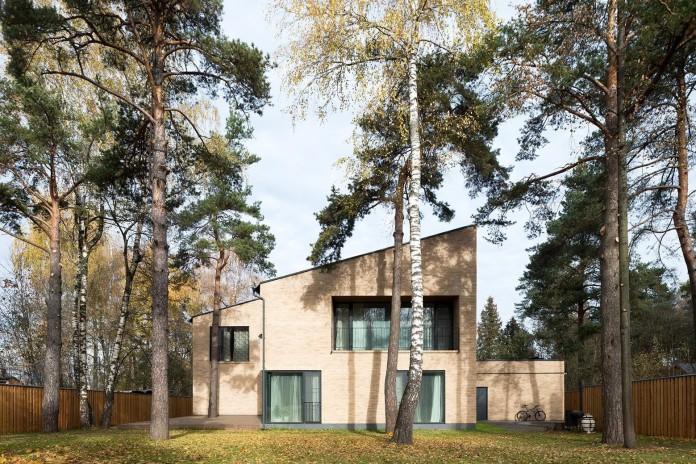 Villa-Rastorguyevo-by-Gikalo-Kuptsov-Architects-01