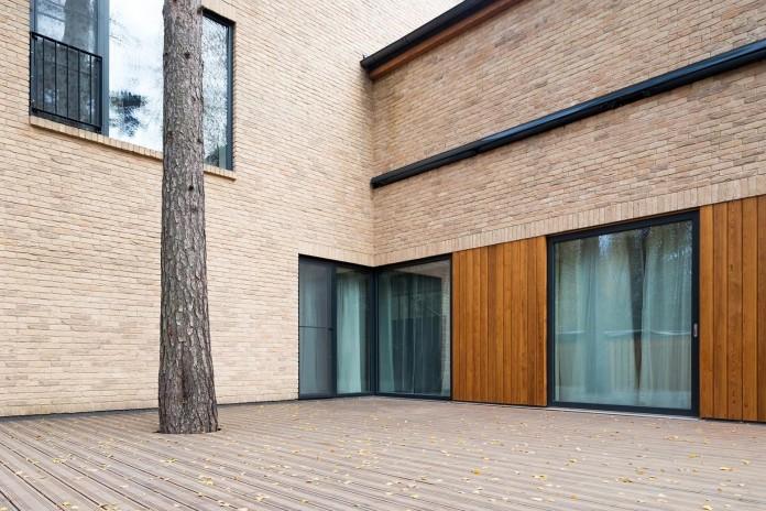 Villa-Rastorguyevo-by-Gikalo-Kuptsov-Architects-07
