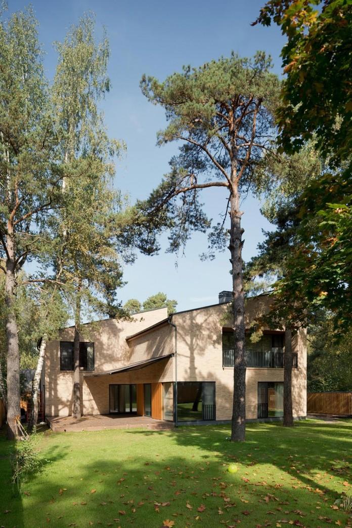 Villa-Rastorguyevo-by-Gikalo-Kuptsov-Architects-09