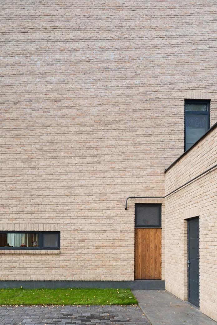 Villa-Rastorguyevo-by-Gikalo-Kuptsov-Architects-11