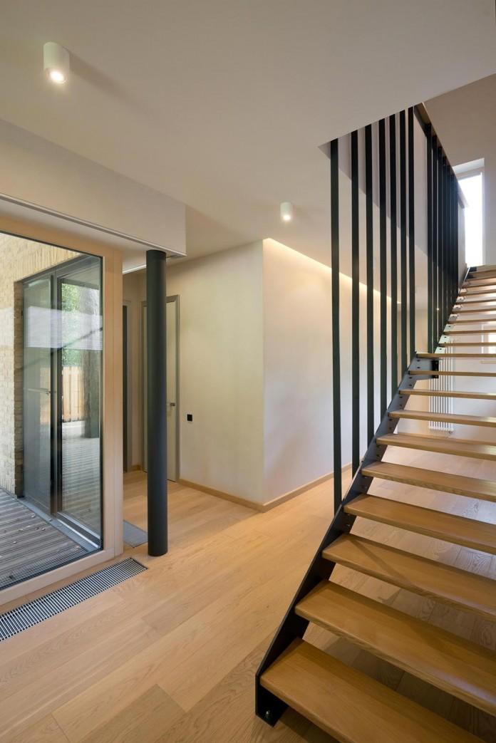 Villa-Rastorguyevo-by-Gikalo-Kuptsov-Architects-16