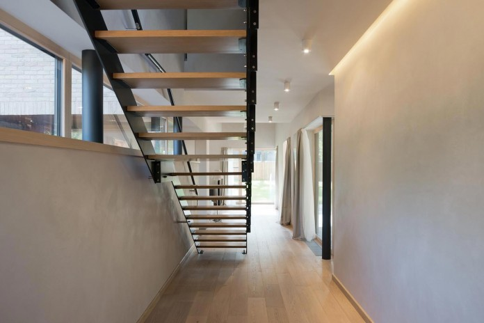 Villa-Rastorguyevo-by-Gikalo-Kuptsov-Architects-17