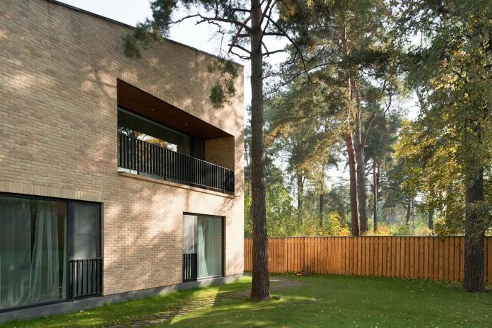 Villa-Rastorguyevo-by-Gikalo-Kuptsov-Architects-28