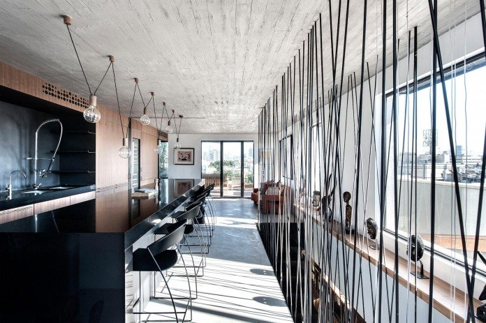Wood-concrete-and-metal-creates-a-contemporary-yet-warm-living-space-of-a-Duplex-Penthouse-in-Tel-Aviv-by-Gabrielle-Toledano-16