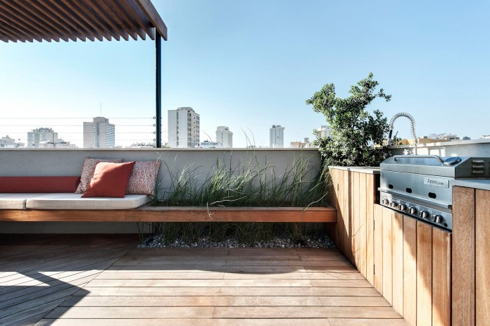 Wood-concrete-and-metal-creates-a-contemporary-yet-warm-living-space-of-a-Duplex-Penthouse-in-Tel-Aviv-by-Gabrielle-Toledano-24