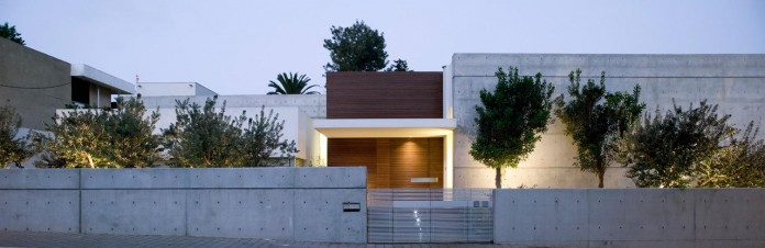 eHouse-by-Axelrod-Architects-01