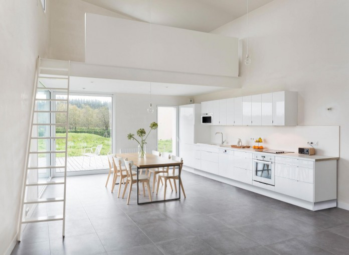 house-for-a-photographer-near-brittany-france-by-studio-razavi-architecture-17