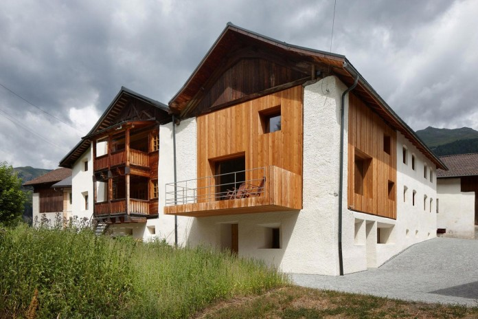 the-Florins-114-the-classic-Engadine-farmhouse-in-the-Swiss-hamlet-by-Philipp-Baumhauer-Architects-03