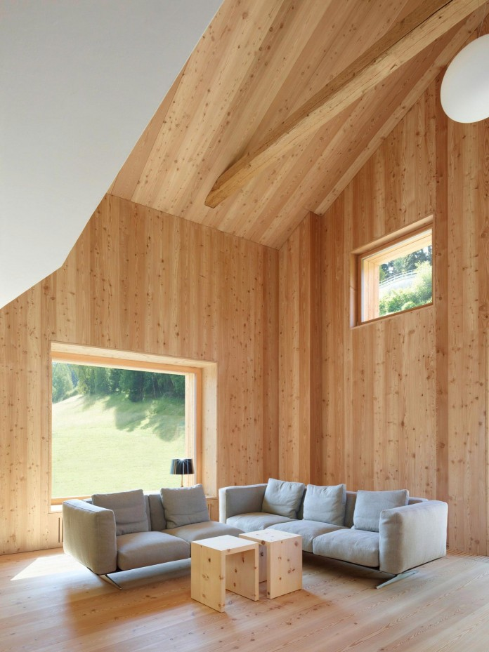 the-Florins-114-the-classic-Engadine-farmhouse-in-the-Swiss-hamlet-by-Philipp-Baumhauer-Architects-11
