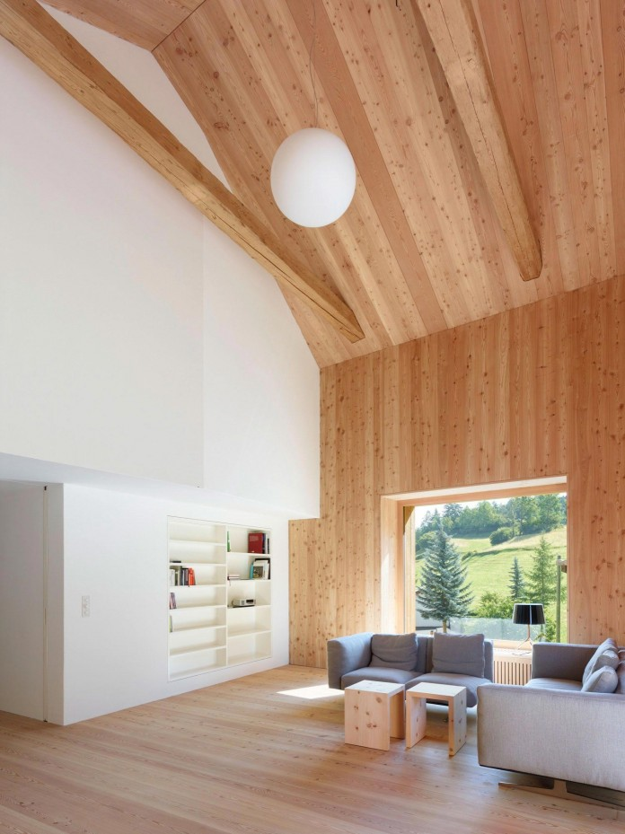 the-Florins-114-the-classic-Engadine-farmhouse-in-the-Swiss-hamlet-by-Philipp-Baumhauer-Architects-12