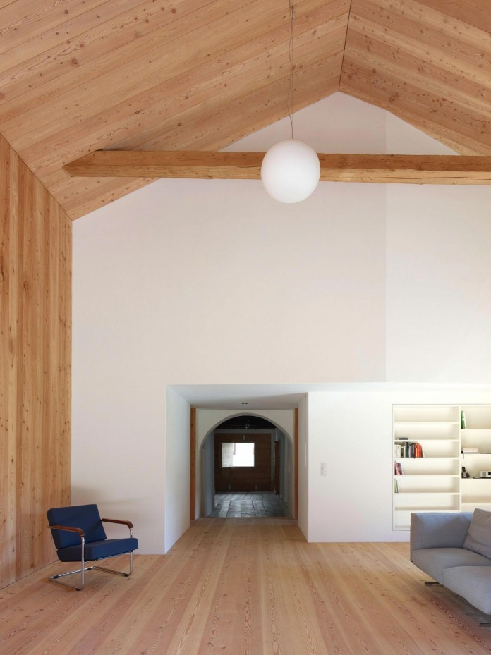 the-Florins-114-the-classic-Engadine-farmhouse-in-the-Swiss-hamlet-by-Philipp-Baumhauer-Architects-13