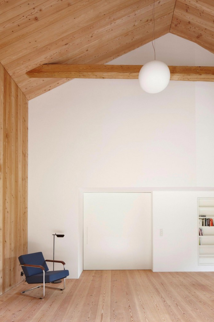 the-Florins-114-the-classic-Engadine-farmhouse-in-the-Swiss-hamlet-by-Philipp-Baumhauer-Architects-14