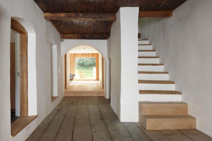 the-Florins-114-the-classic-Engadine-farmhouse-in-the-Swiss-hamlet-by-Philipp-Baumhauer-Architects-19