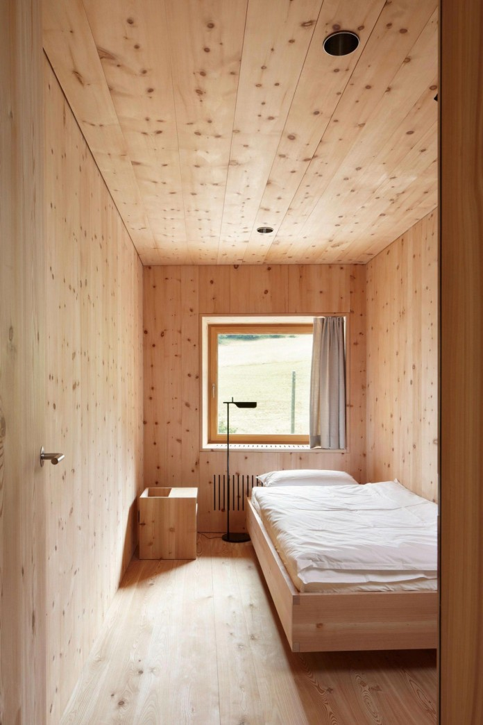 the-Florins-114-the-classic-Engadine-farmhouse-in-the-Swiss-hamlet-by-Philipp-Baumhauer-Architects-23