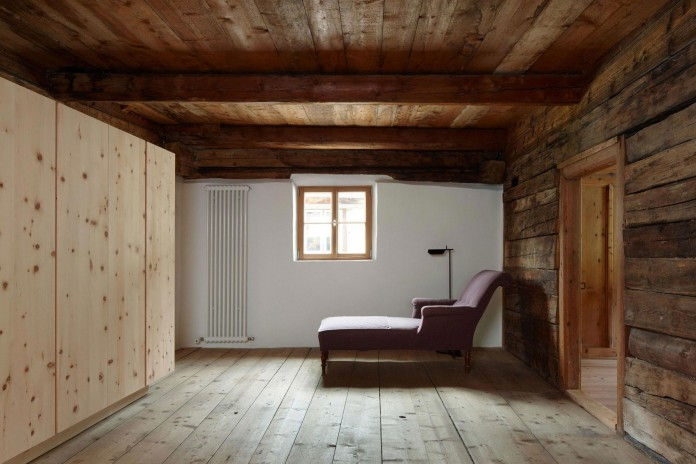 the-Florins-114-the-classic-Engadine-farmhouse-in-the-Swiss-hamlet-by-Philipp-Baumhauer-Architects-28