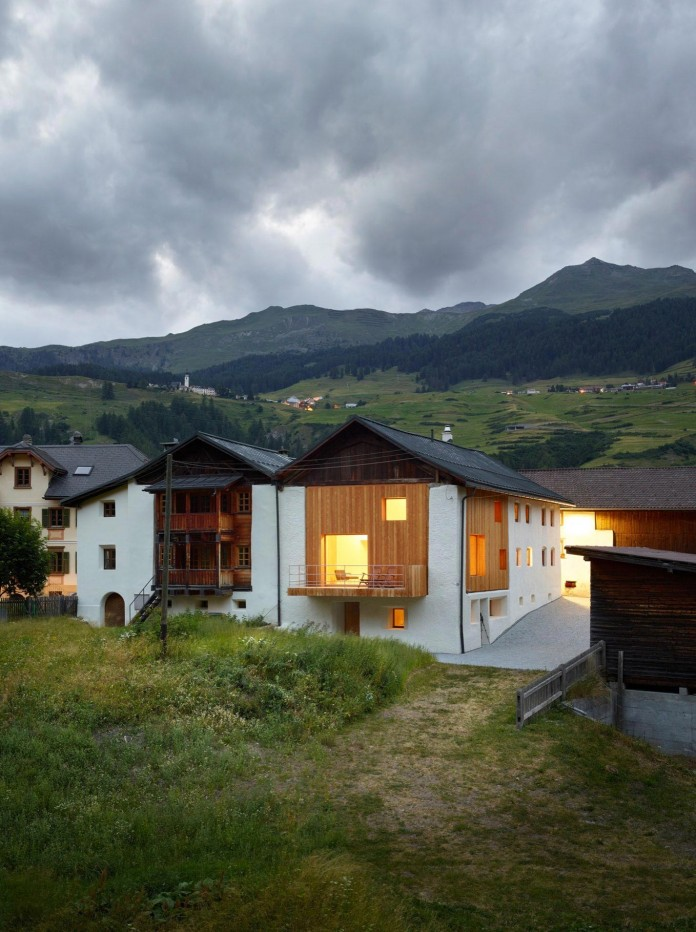 the-Florins-114-the-classic-Engadine-farmhouse-in-the-Swiss-hamlet-by-Philipp-Baumhauer-Architects-31