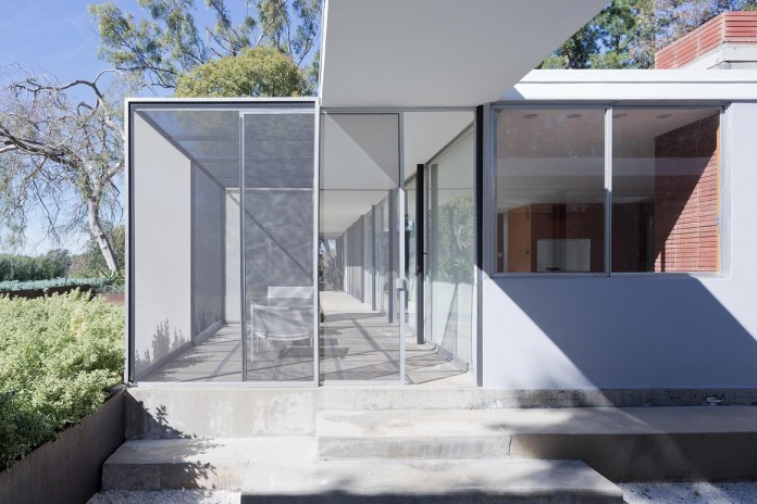 1-story-Shulman-Contemporary-Home-and-Studio-by-Lorcan-O-Herlihy-Architects-02