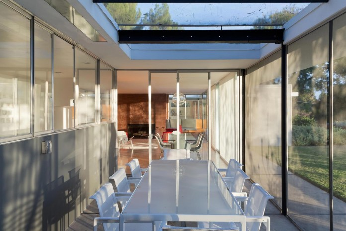 1-story-Shulman-Contemporary-Home-and-Studio-by-Lorcan-O-Herlihy-Architects-05