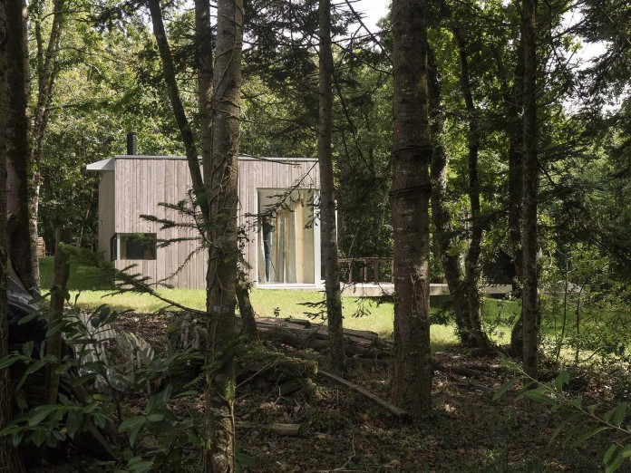 1-story-small-and-simple-wood-jjs-m-house-by-atelier-mima-05
