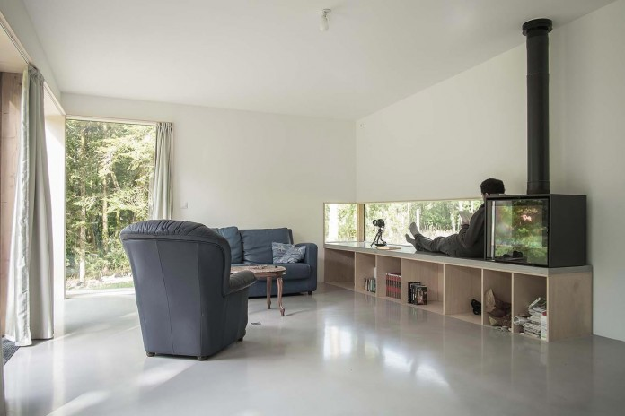 1-story-small-and-simple-wood-jjs-m-house-by-atelier-mima-07