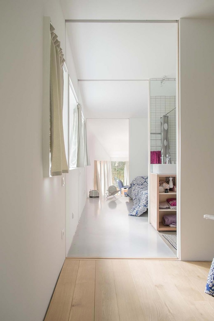 1-story-small-and-simple-wood-jjs-m-house-by-atelier-mima-09