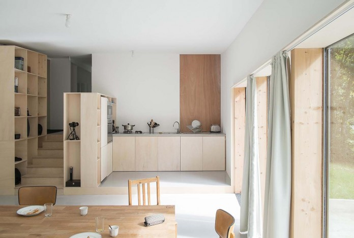 1-story-small-and-simple-wood-jjs-m-house-by-atelier-mima-12
