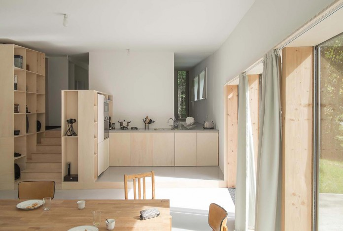 1-story-small-and-simple-wood-jjs-m-house-by-atelier-mima-13