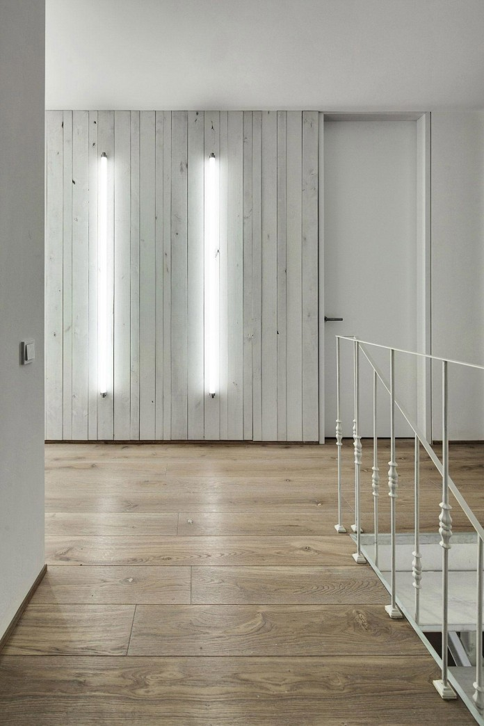 A-Bright-White-Home-in-Kiev-by-FORM-Architectural-Bureau-20