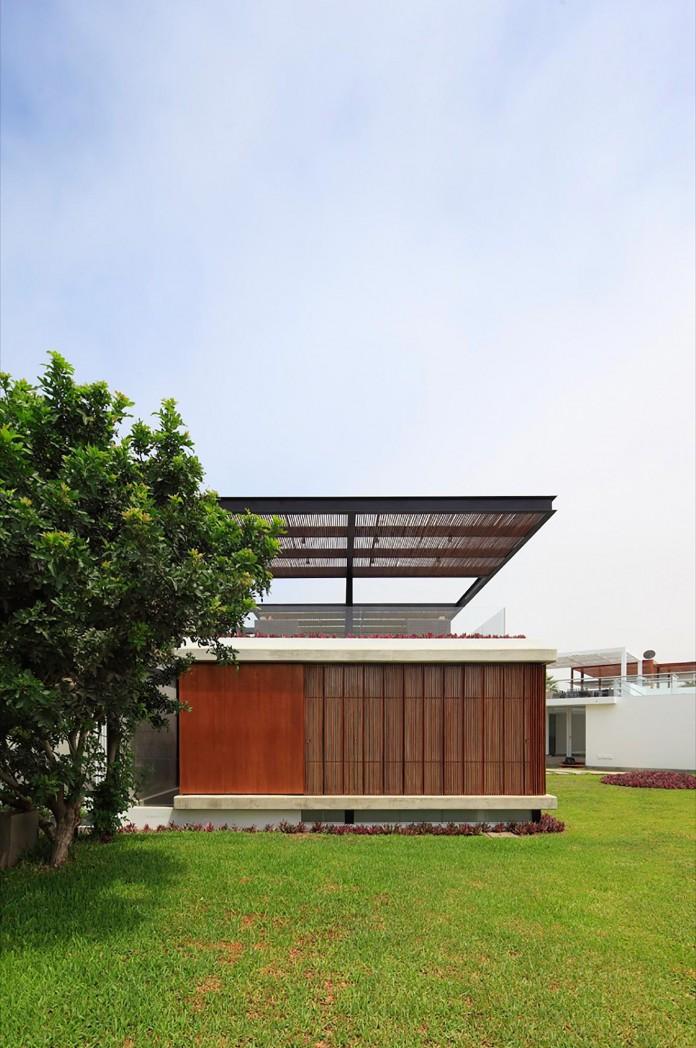 ASIA-Residence-in-the-south-of-Lima-by-Jorge-Marsino-Prado-01