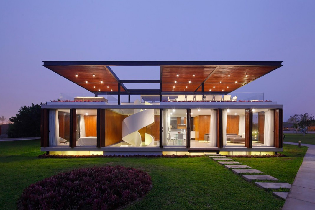 ASIA Residence in the south of Lima by Jorge Marsino Prado