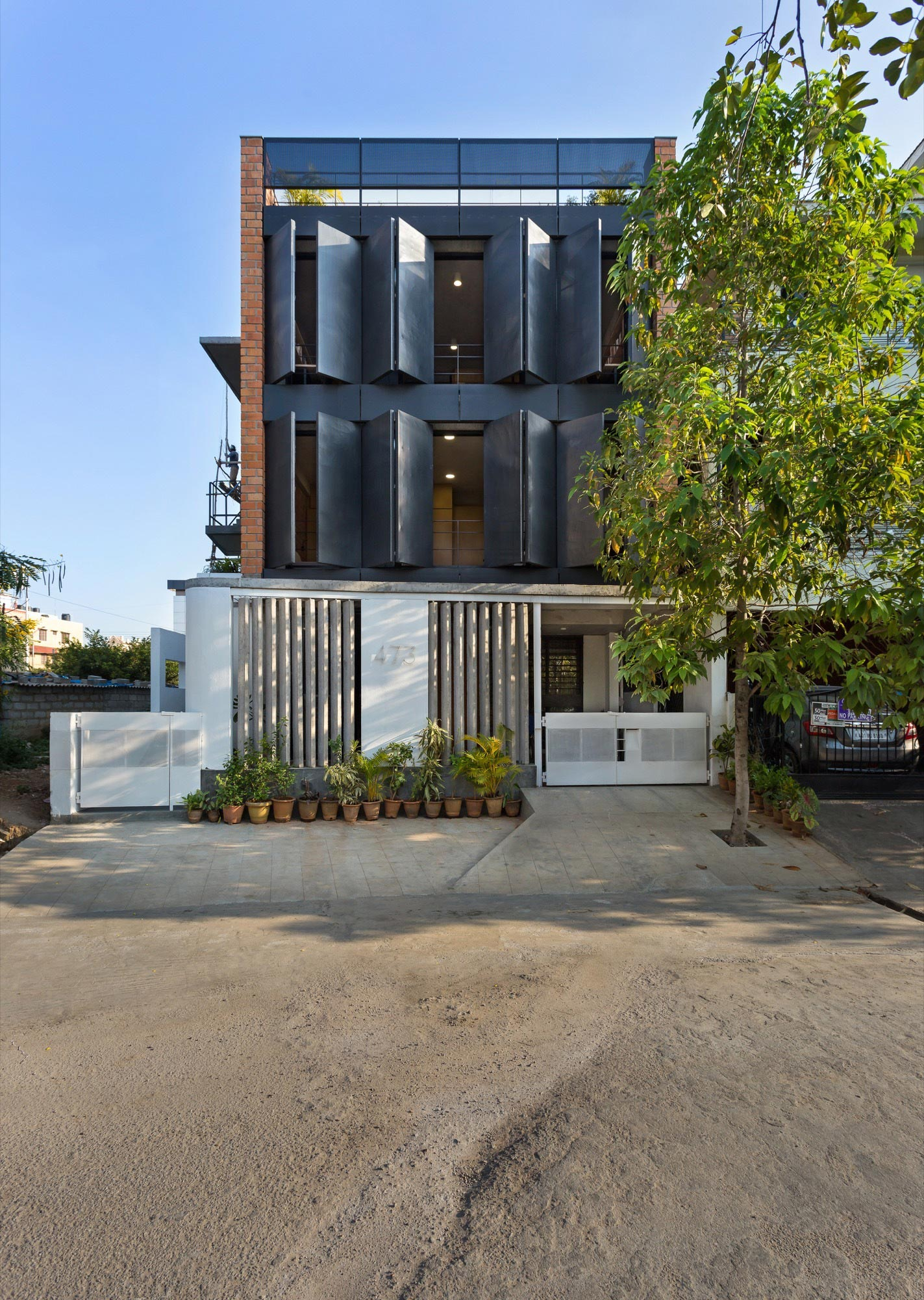 Architects home and office in bangalore by betweenspaces for Spaces architecture studio delhi