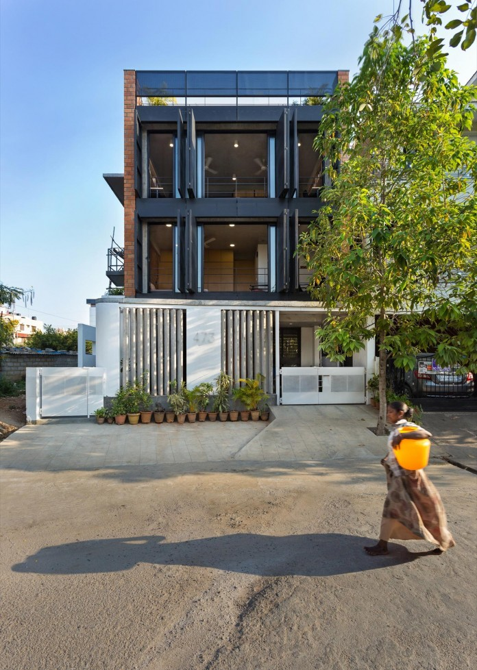 Architects-Home-and-Office-in-Bangalore-by-BetweenSpaces-02