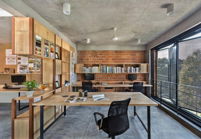 Architects-Home-and-Office-in-Bangalore-by-BetweenSpaces-04