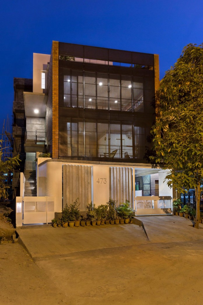 Architects-Home-and-Office-in-Bangalore-by-BetweenSpaces-09