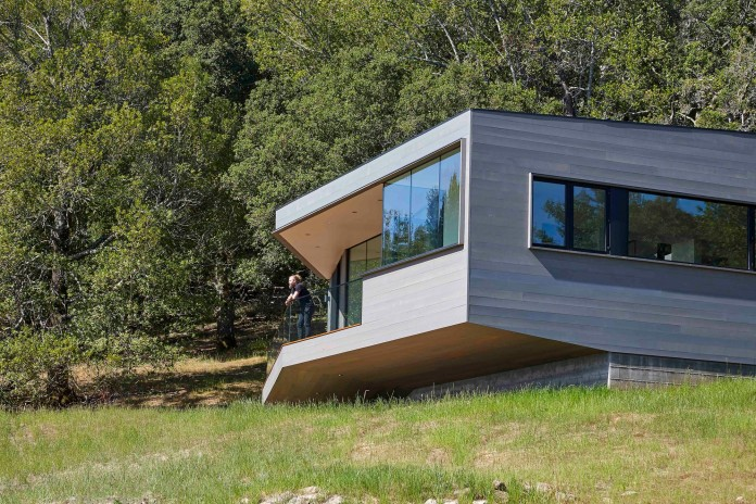 Box-on-the-Rock-Residence-by-Schwartz-and-Architecture-04