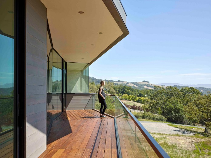 Box-on-the-Rock-Residence-by-Schwartz-and-Architecture-09