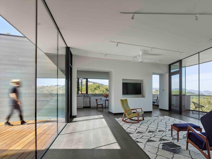 Box-on-the-Rock-Residence-by-Schwartz-and-Architecture-17
