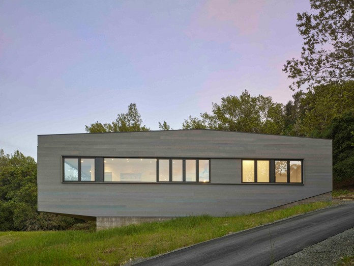Box-on-the-Rock-Residence-by-Schwartz-and-Architecture-22