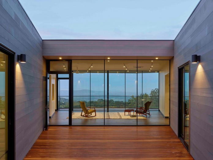 Box-on-the-Rock-Residence-by-Schwartz-and-Architecture-24