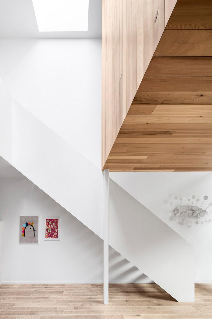 Bright-Mentana-Townhouse-in-Montreal-by-EM-architecture-01