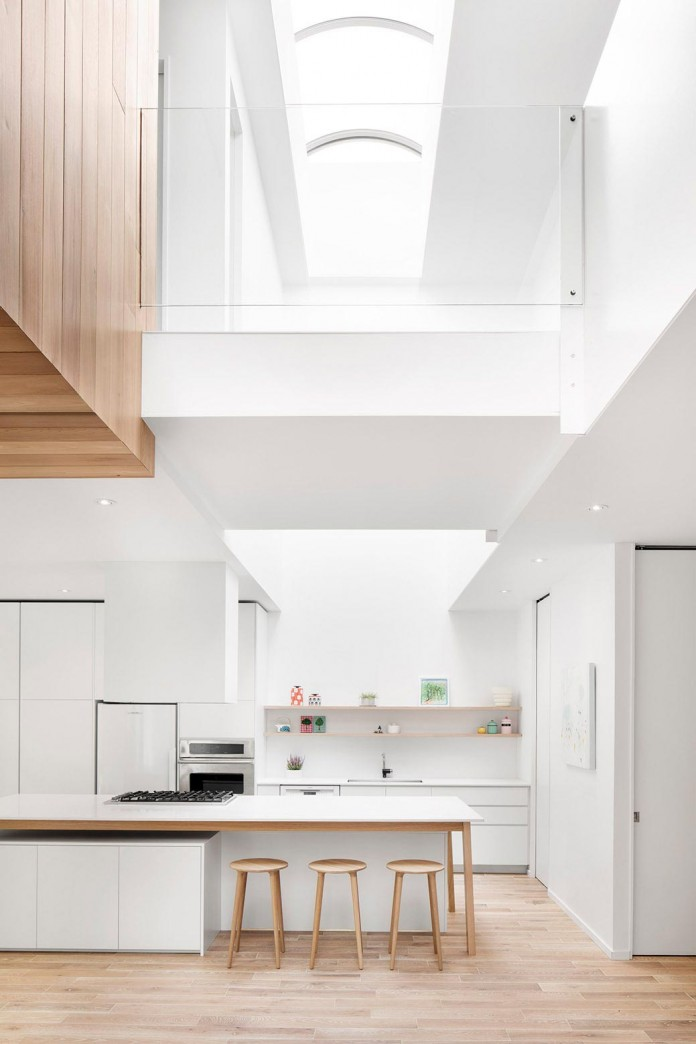 Bright-Mentana-Townhouse-in-Montreal-by-EM-architecture-03