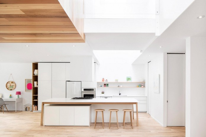 Bright-Mentana-Townhouse-in-Montreal-by-EM-architecture-04