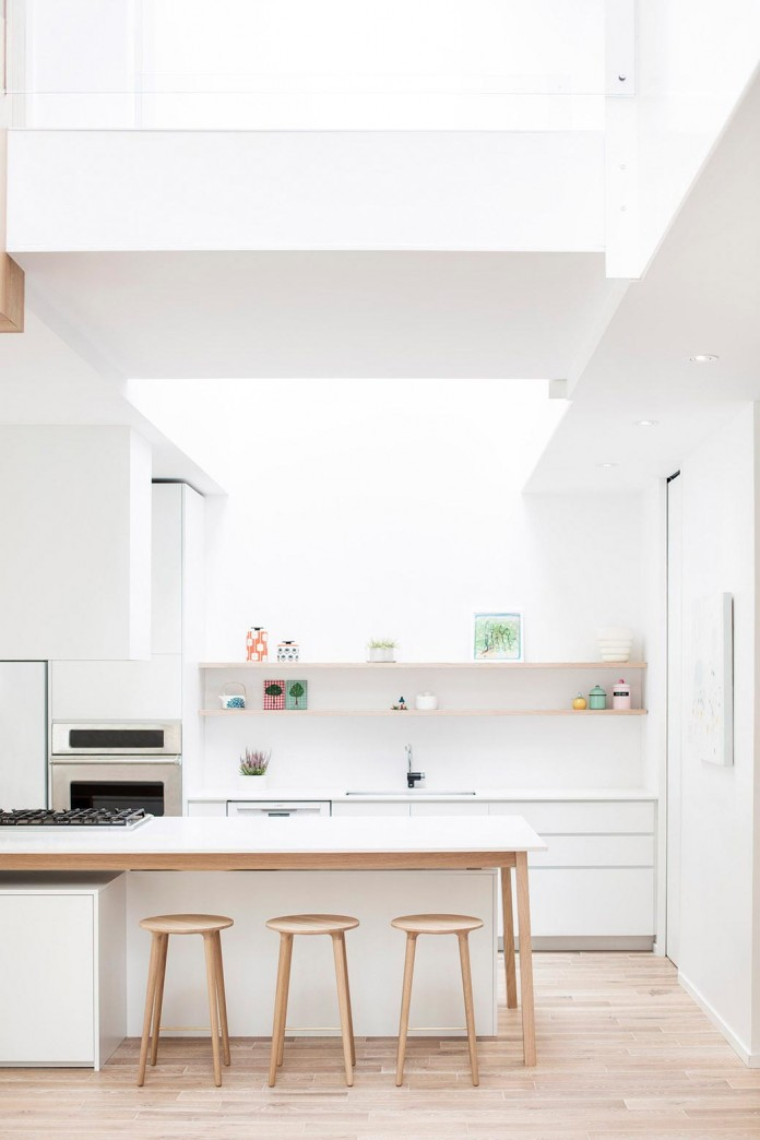 Bright-Mentana-Townhouse-in-Montreal-by-EM-architecture-05