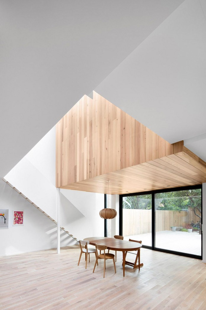Bright-Mentana-Townhouse-in-Montreal-by-EM-architecture-07