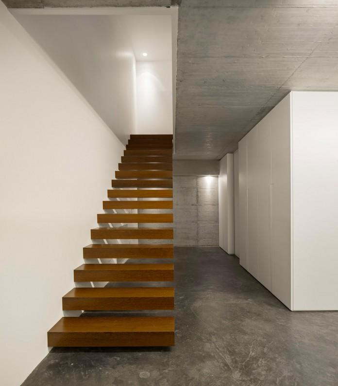 Casa-dos-Claros-family-home-with-two-stories-by-Contaminar-Arquitectos-10