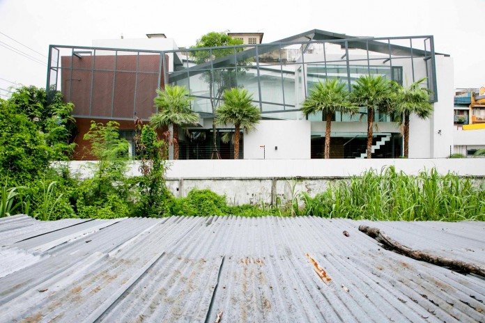 Chokchai-4-House-by-Archimontage-Design-Fields-Sophisticated-01