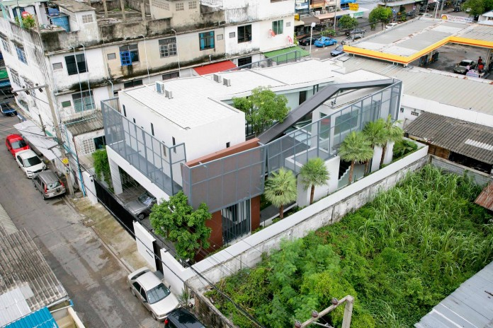 Chokchai-4-House-by-Archimontage-Design-Fields-Sophisticated-02