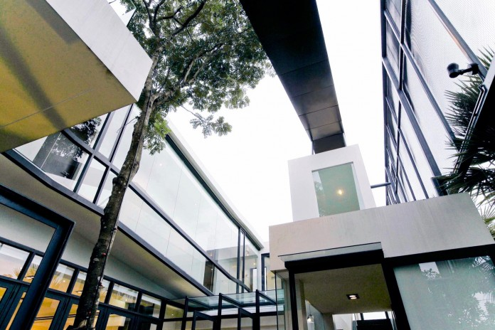 Chokchai-4-House-by-Archimontage-Design-Fields-Sophisticated-03